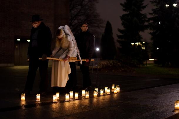 The Wounded Angel / Huumeisiin kuolleiden muistotilaisuus // 11/2015